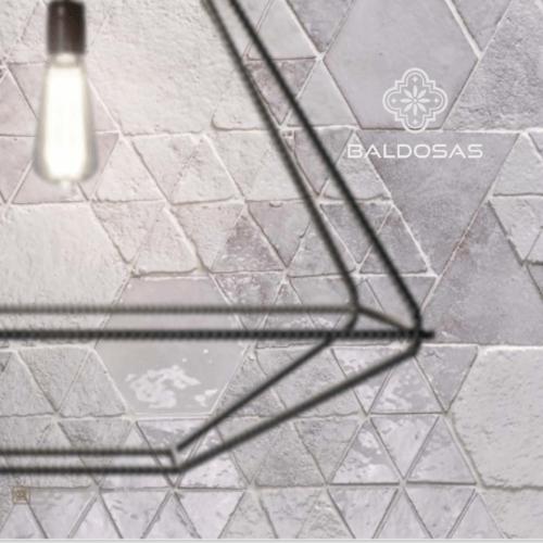 tegels wit tinten